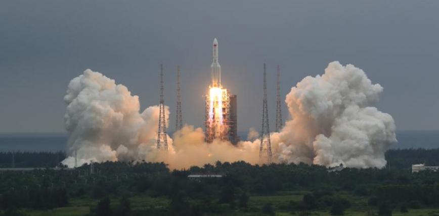 Chińska rakieta spadła w pobliżu Malediwów | Poinformowani.pl